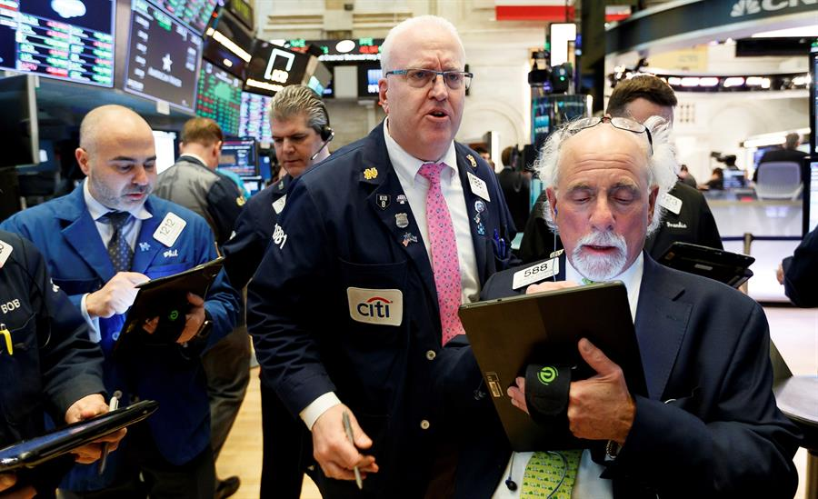 Wall Street abrió mixto con el Dow Jones