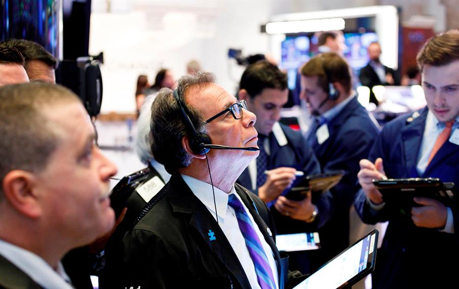 Wall Street cierra mixto, Dow Jones avanzó