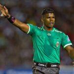 Maganda y ex árbitros, harán plantón por racismo
