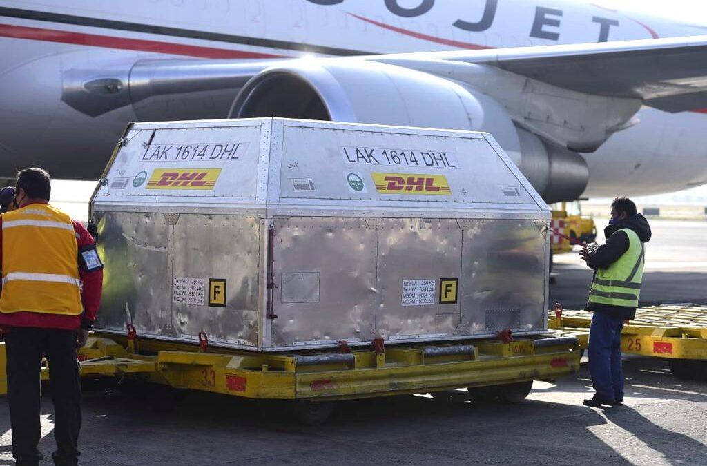 Llegan a México 600 mil 600 vacunas Pfizer