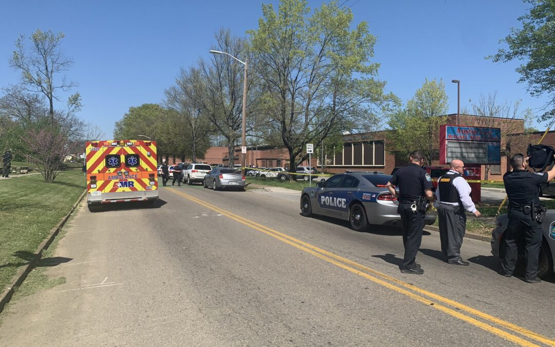 Balacera en secundaria de Tennessee deja varios heridos