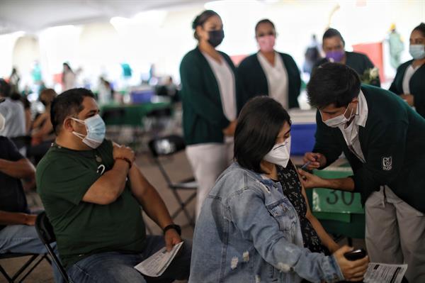 Puebla registra récord en aplicación de vacunas