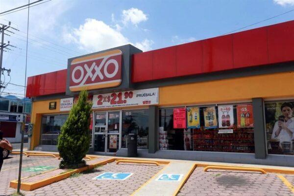 Santander ofrece servicio de disposición de efectivo en tiendas OXXO