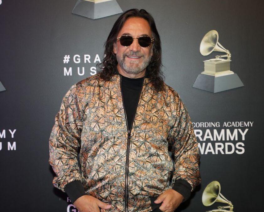 Marco Antonio Solís llega al museo del Grammy