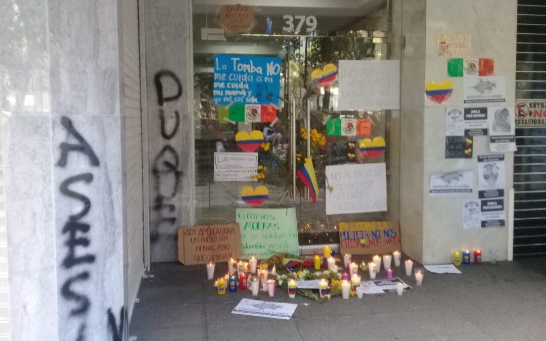 Feministas protestan afuera del Consulado de Colombia en CDMX