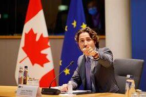 Canadá dejará que indígenas utilicen su nombres tradicional