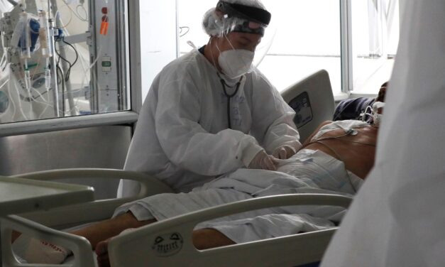 59 mil empleados de salud contagiados en Colombia