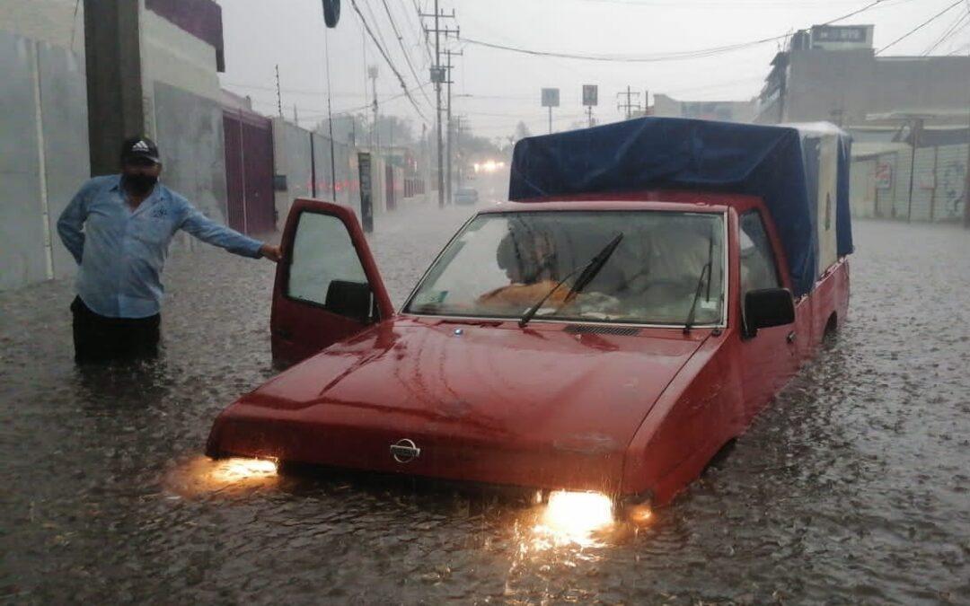 Ante torrencial lluvia… se inunda Edomex