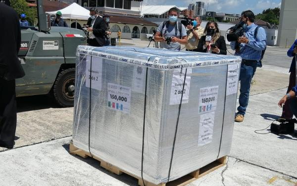 México y Argentina donan vacunas contra Covid-19