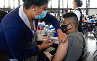 Inicia vacunación a personas de 40 a 49 a años en CDMX