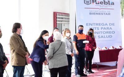 Puebla entregó kits de monitoreo de salud al CDC