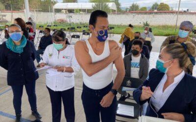 Omar Fayad recibió la vacuna contra el Coronavirus