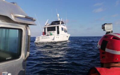 Marina auxilió a pasajeros de yate perdido a la deriva