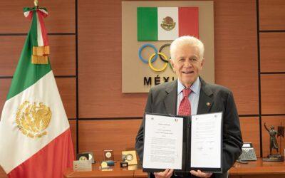 Firma COM convenio de colaboración con su similar de Italia