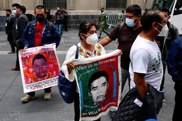 Identifican restos de uno de los normalistas de Ayotzinapa