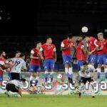 Argentina y Chile empatan en su debut en Copa América