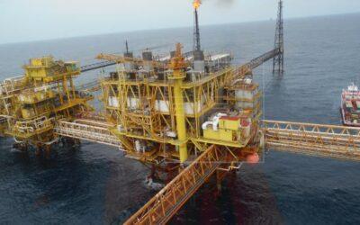 Estados Unidos prevé caída en precio del petróleo