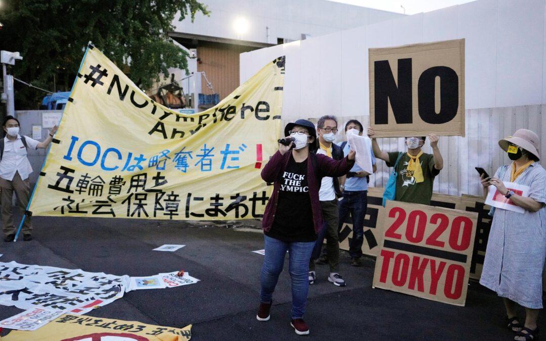 Continúan las protestas en Tokio por los Juegos