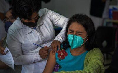 Iztapalapa e Iztacalco iniciaron vacunación a treintañeros