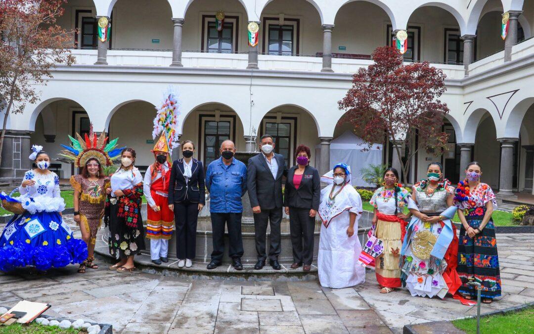 Los trajes típicos en Puebla dignos de un concurso patrio