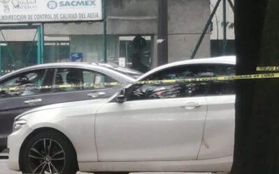 Asesinan a médico a bordo de su auto en Coyoacán