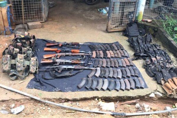 GN decomisa arsenal en Zihuatanejo, Guerrero