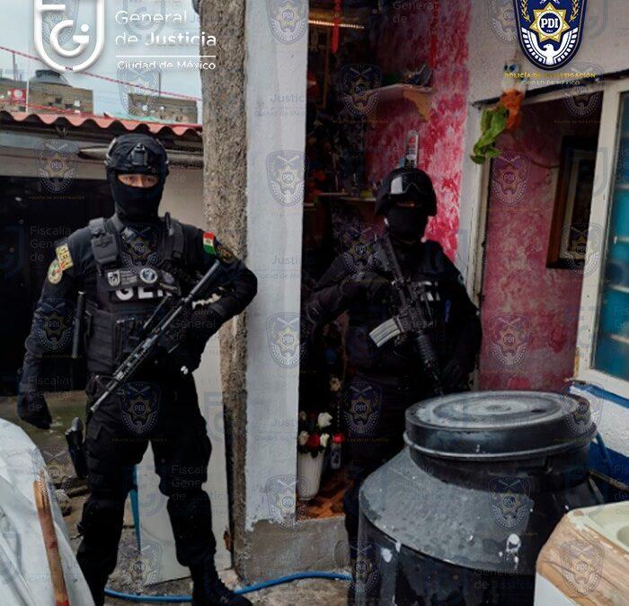 Detienen a mujer en CDMX por delitos en contra de la salud