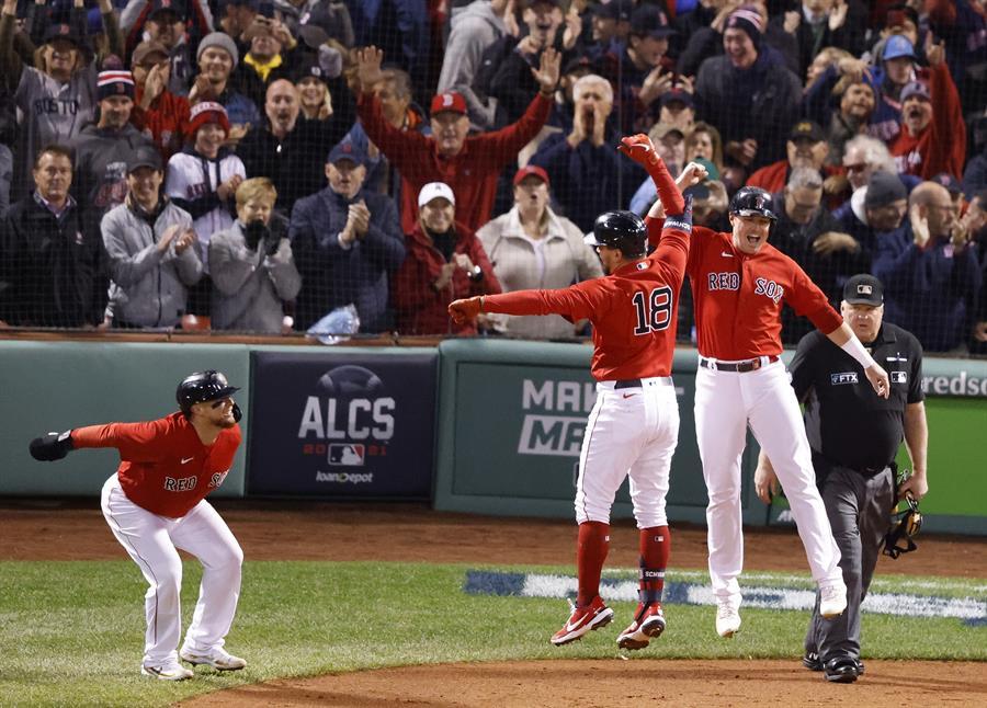 Boston liquida a Houston y se adelanta en la serie