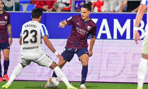 Huesca divide puntos con el Málaga