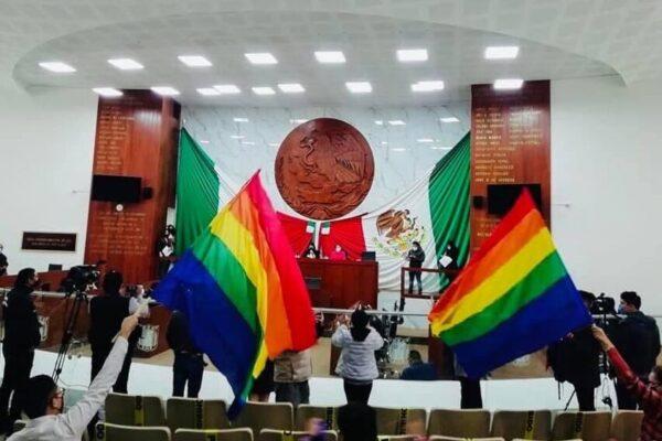 Tlaxcala aprobó castigar con cárcel las terapias de conversión