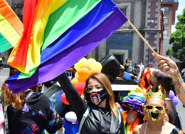 Fiscalía investiga ataque con ácido a mujer trans en Jalisco